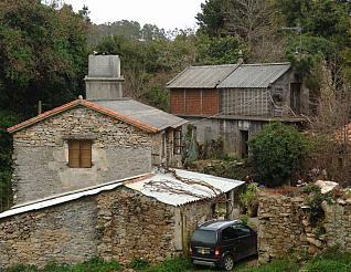 Los municipios del área metropolitana de A Coruña, según los datos del Instituto Nacional de Estadística, acogen un total de 325 lugares o aldeas que tienen tres o menos vecinos censados