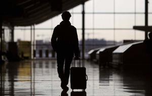 Noticia de El ritmo de la emigración de españoles se duplica en cuatro regiones durante la crisis