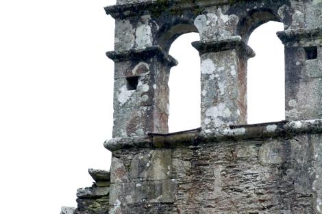 El campanario de la ermita de Goás, sin campanas. | Efe